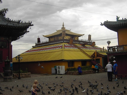 Het Gandan Klooster in Ulaanbaatar dat onlangs nog werd bezocht door Koning Willem Alexander en Koningin Maxima.
