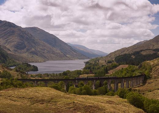 Het Glenfinnan viaduct (foto: Joe Dunckley