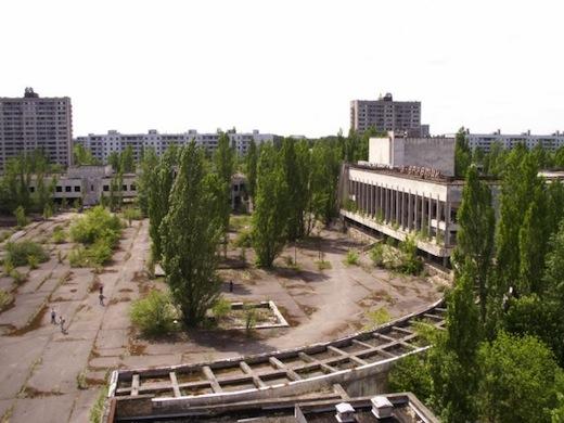 Vanaf de achtste verdieping van het hotel heb je een mooi overzicht over het centrale plein van Prypjat.