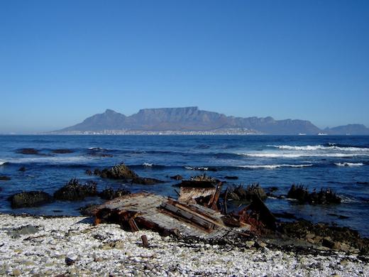 Vanaf het eiland heb je een mooi uitzicht op Kaapstad.