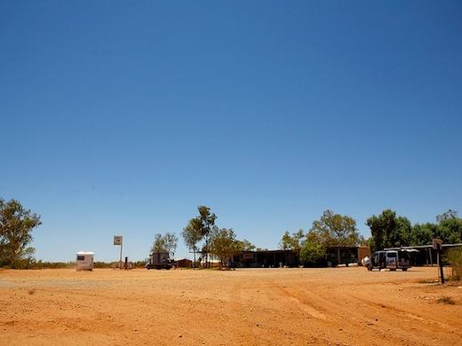 Handige stopplaatsen in de outback (Foto: Michael Theis)