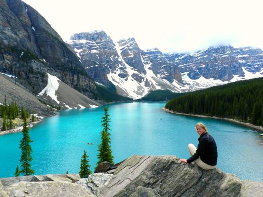 canada-vakantie-uitzicht-bergmeer